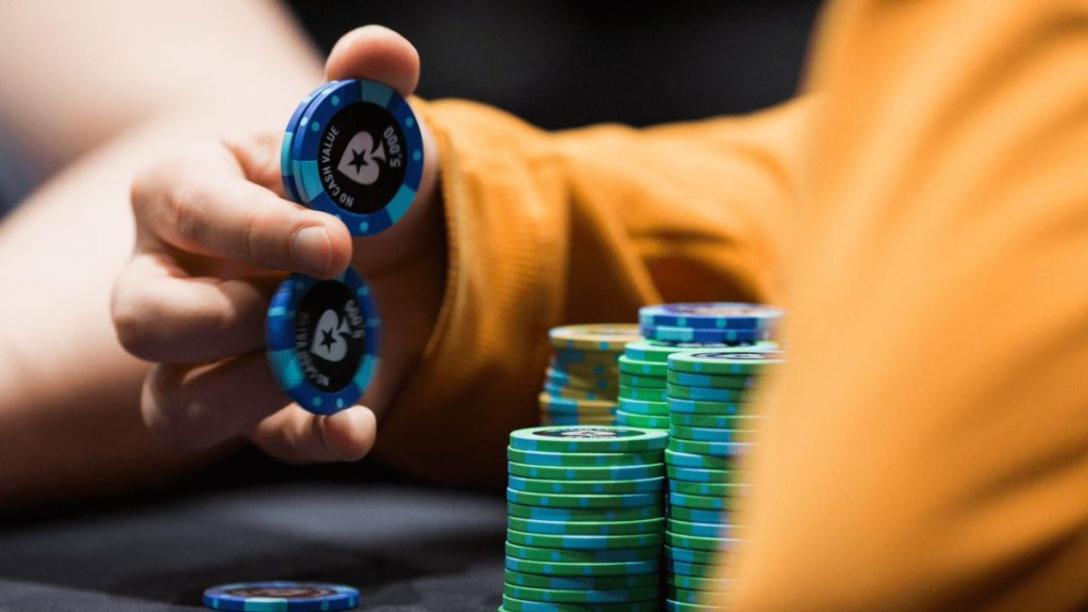 Особенности игры в онлайн покер на деньги